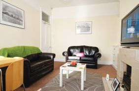 3 Bedrooms, Biddlestone Road